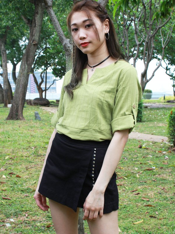 V NECK PARALLEL TOP  (PEA GREEN)