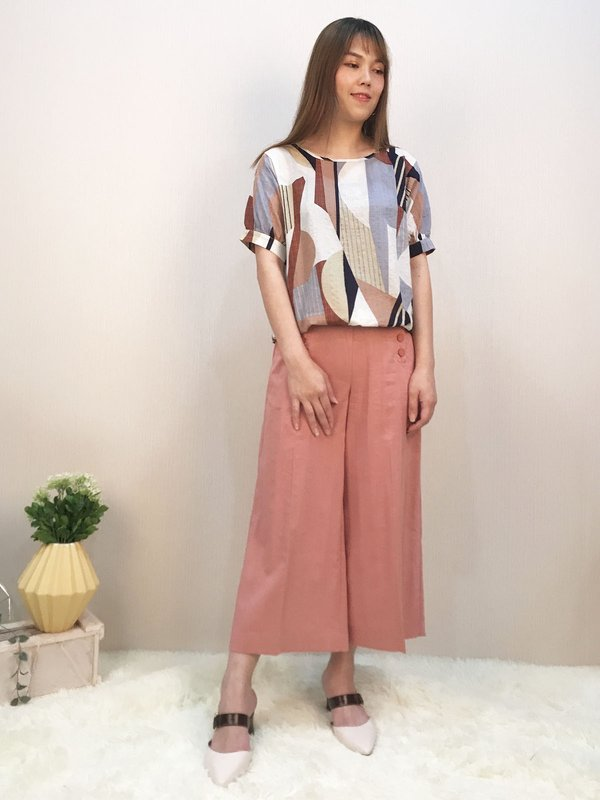 SHIRT SLEEVE ABSTRACT TOP (COCO)