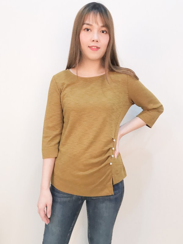 THREE QUATER PEARL TOP (MUSTARD)