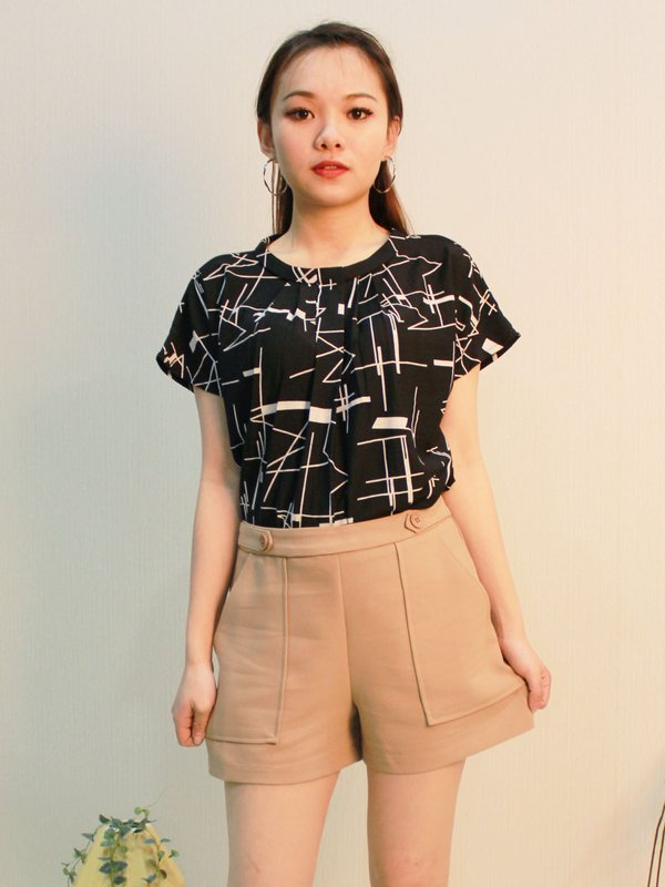 ABSTRACT LINE TOP (BLACK)