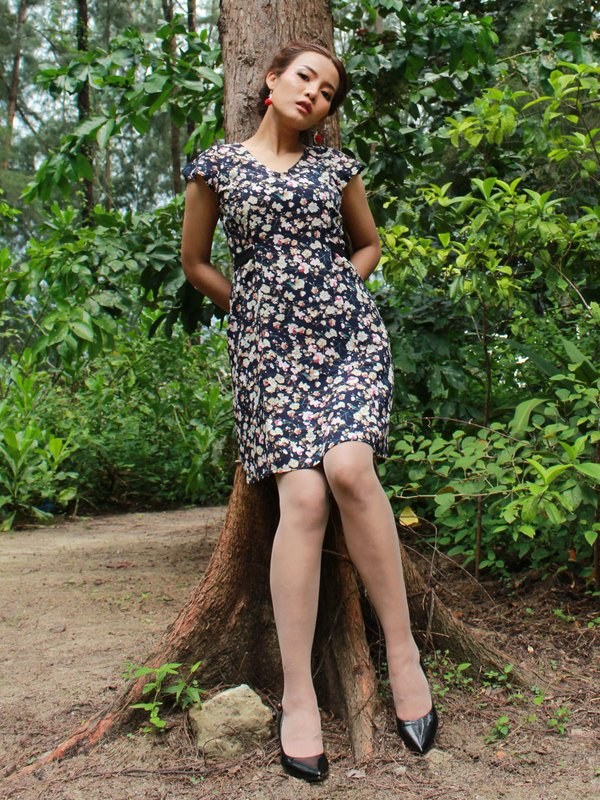 FLORAL SLIM DRESS (DARK BLUE)