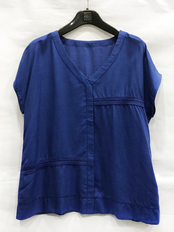 SIMPLE LINE BLOUSE (CORNFLOWER BLUE)