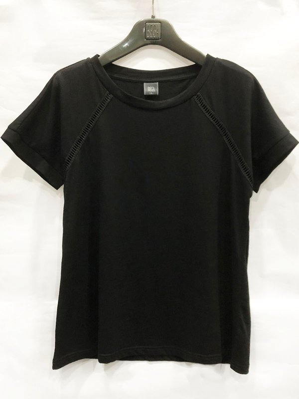 SIMPLE BLACK LINE T-SHIRT (BLACK)