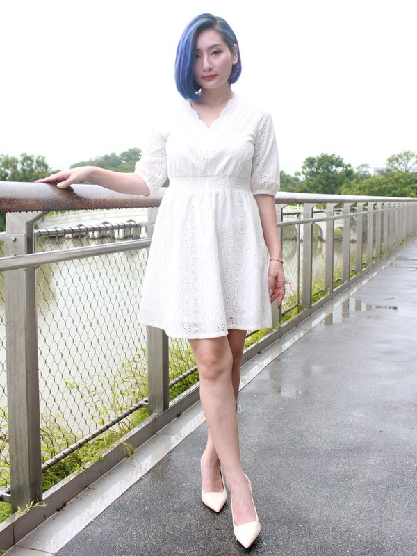 LAVA V-NECK DRESS (CREAM)