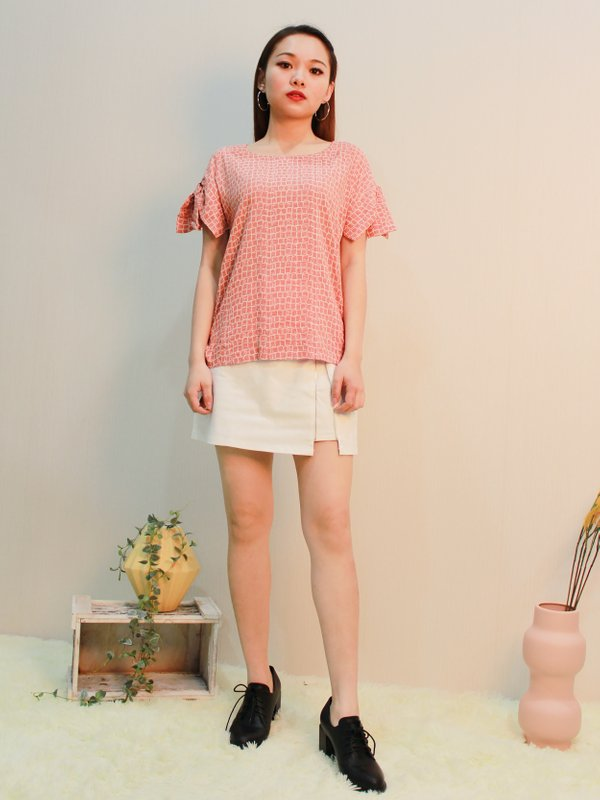 RIBBON SLEEVE ABSTRACT BLOUSE (PEACH)