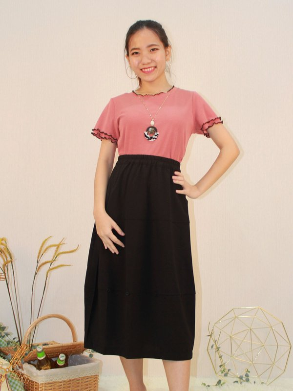 BUTTON MIDI SKIRT (BLACK)
