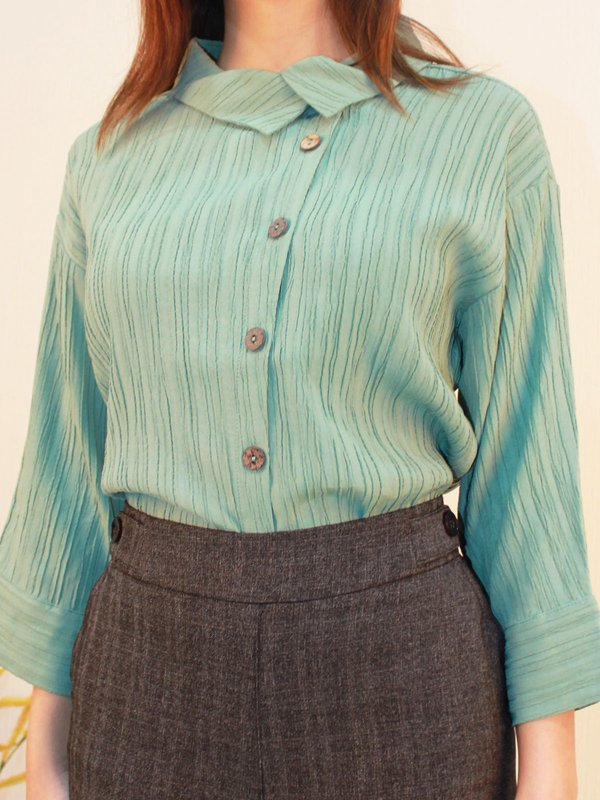 VERTICAL TEXTURE BUTTON DOWN BLOUSE (PALE GREEN)